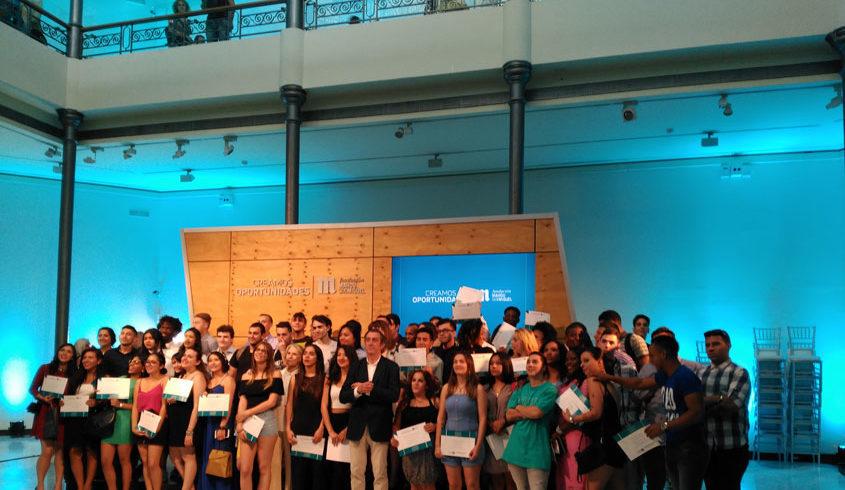 Entrega de Diplomas a futuros camareros formados en Norte Joven