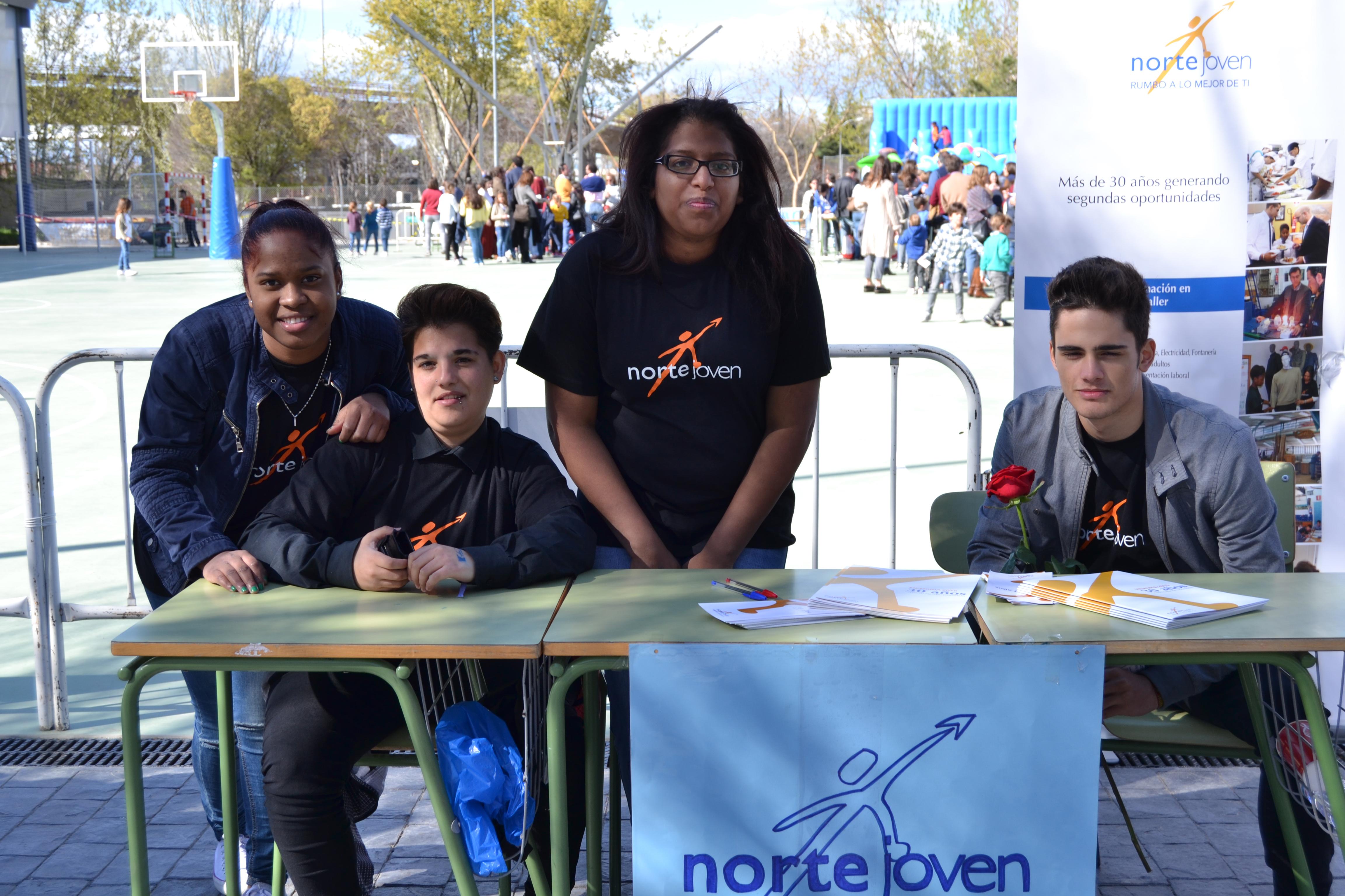 Voluntariado de alumnos en la Fiesta del Trabajo y la Alegría