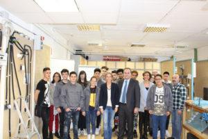 Foto de grupo de la cuarta promoción del Aula Endesa