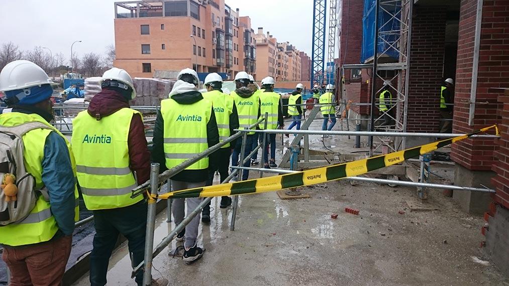 De visita a las 42 viviendas de Vicálvaro con Fundación Avintia