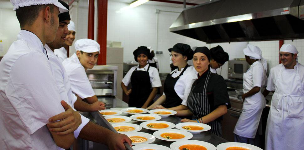 Restaurante-Escuela de Norte joven