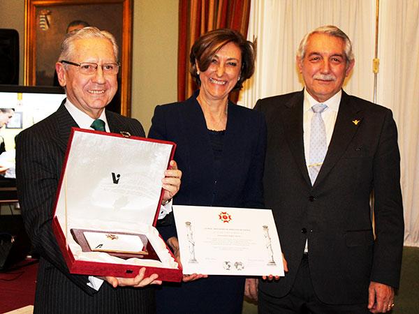 Condecoración Cruz al Mérito por la Real Asociación de Hidalgos de España