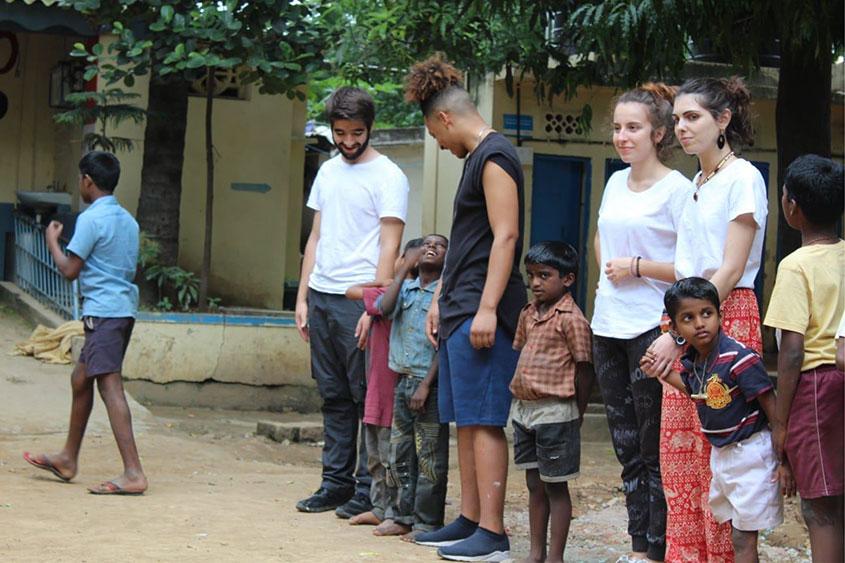 Cuba y la India, destino de verano de dos antiguos alumnos de Norte Joven