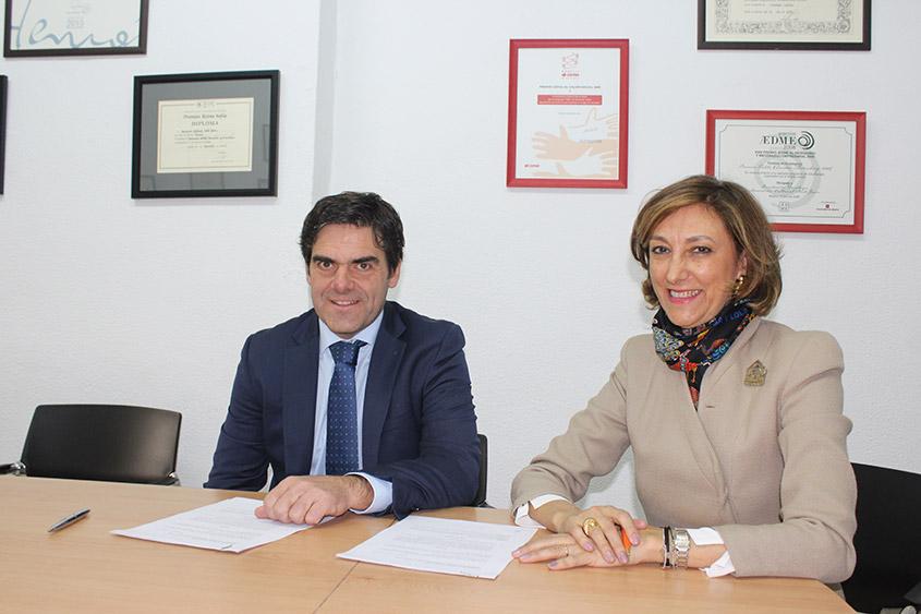 Gabriel de Oraa, secretario de Fundación Vinci, y Concepción M. Bustamante, presidenta de Norte Joven