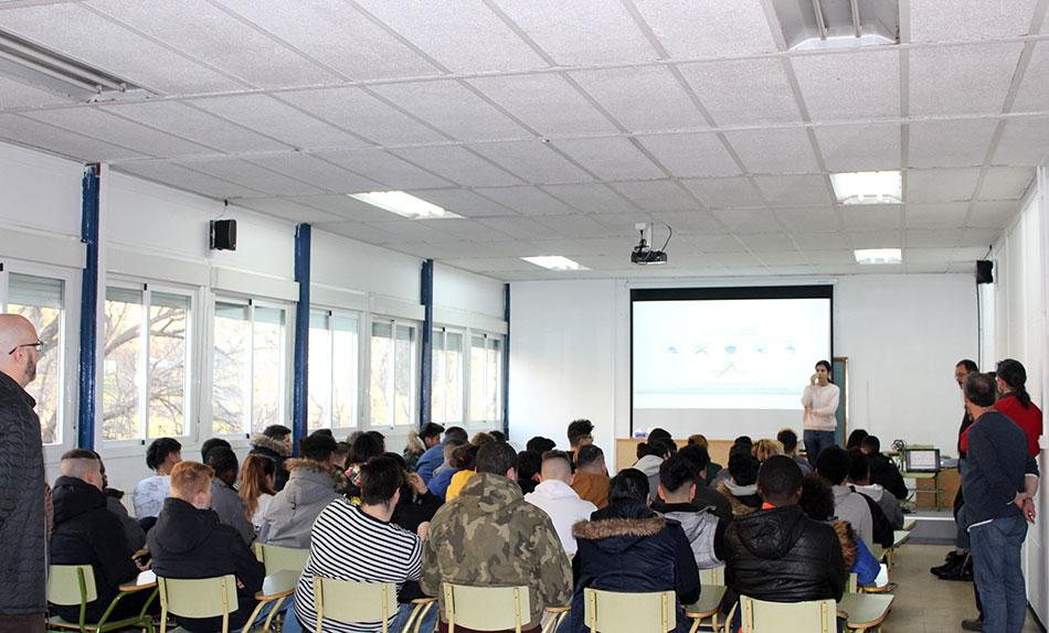Presentación de Generando Futuro al alumnado de carpintería, electricidad y fontanería