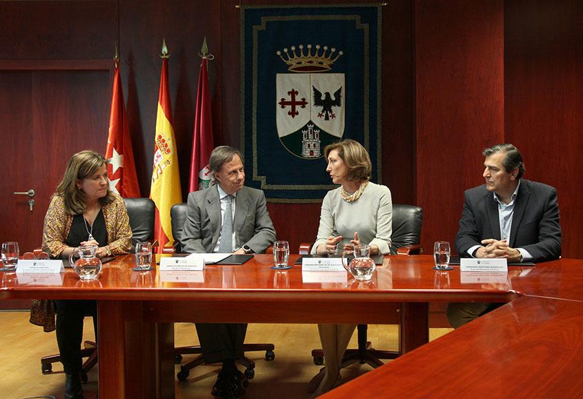 Firma del convenio con el Ayuntamiento de Alcobendas