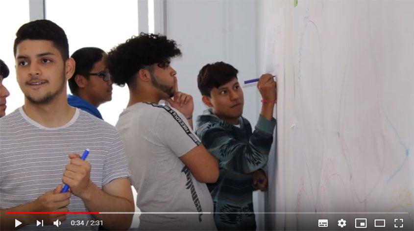 El alumnado nos muestra cómo trabajan en las tutorías grupales
